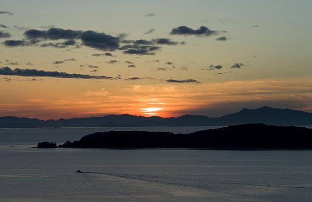 獅子島に沈む太陽