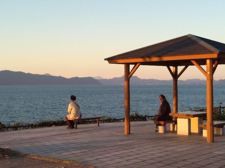 湯の児半島大崎公園から長島に沈む夕日を眺める丨水俣病センター相思社の水俣案内
