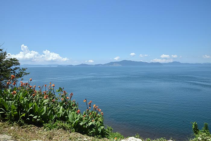 湯の児半島大崎鼻より不知火海を眺望|相思社の水俣案内